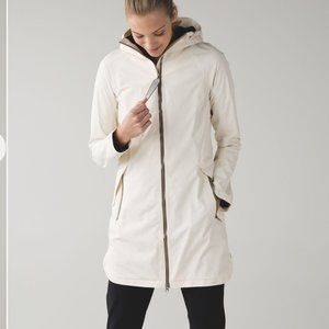 Lululemon Definitely Raining Jacket Cream Size 4